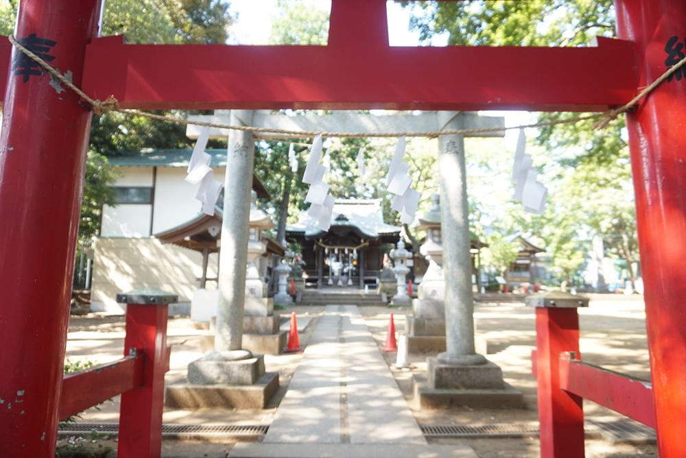 こんなアングルも面白い久我山稲荷神社