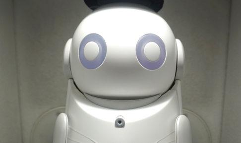 対話型AI案内ロボ下北沢レイ