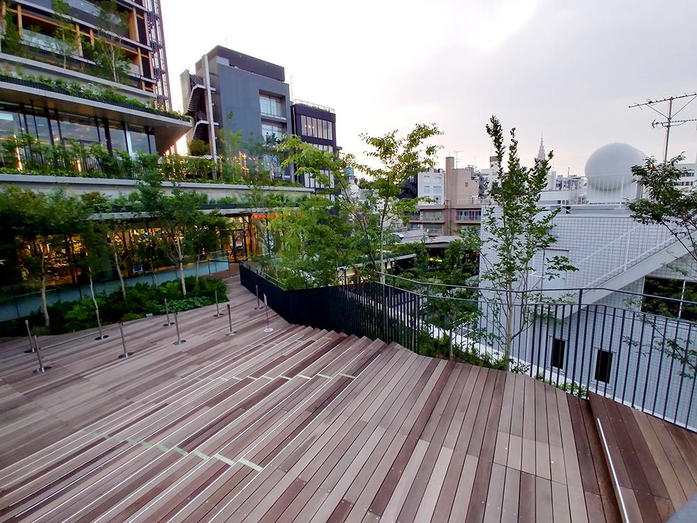 ウィズ 原宿2階のデッキからの眺望