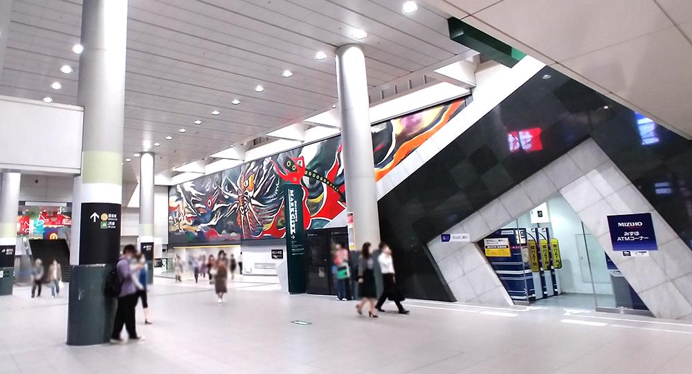 井の頭線・渋谷駅の中央口通路