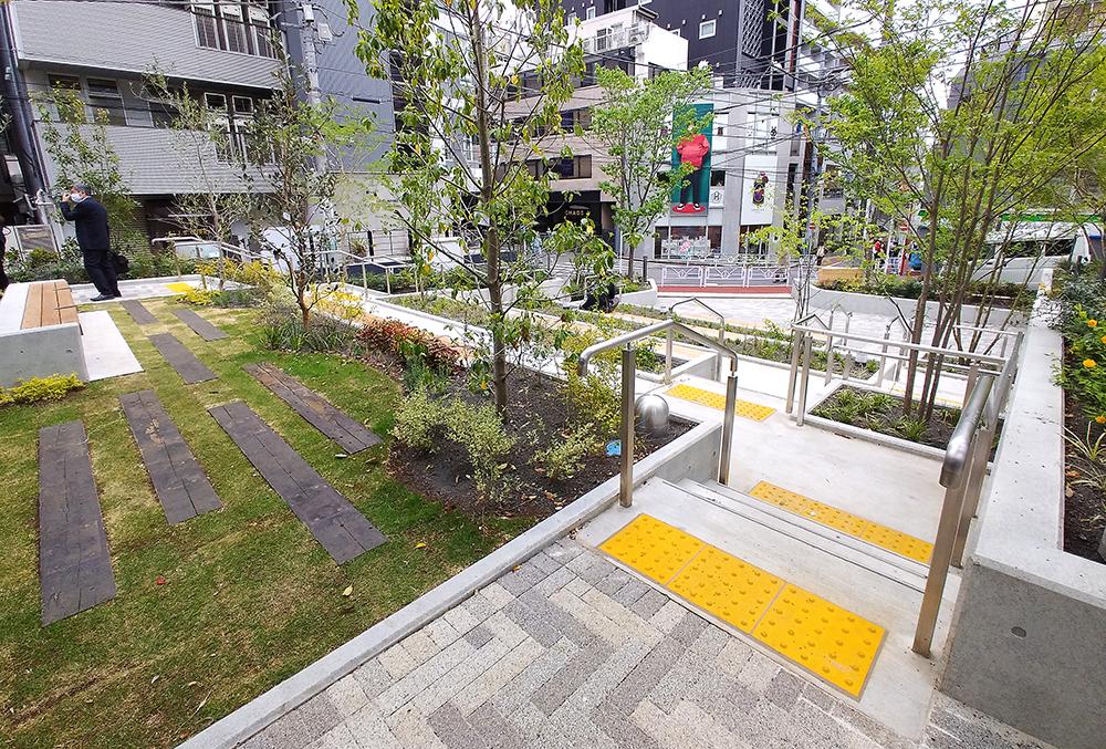 リニューアルした渋谷区北谷公園のステージエリア