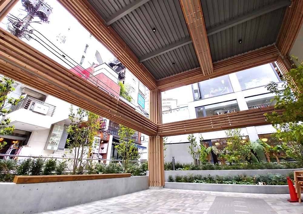 リニューアルした渋谷区北谷公園の大屋根エリア