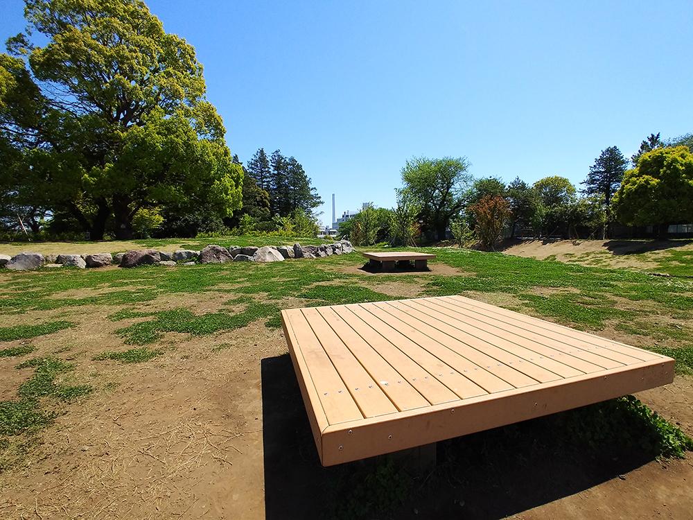 高井戸公園の正方形のベンチ
