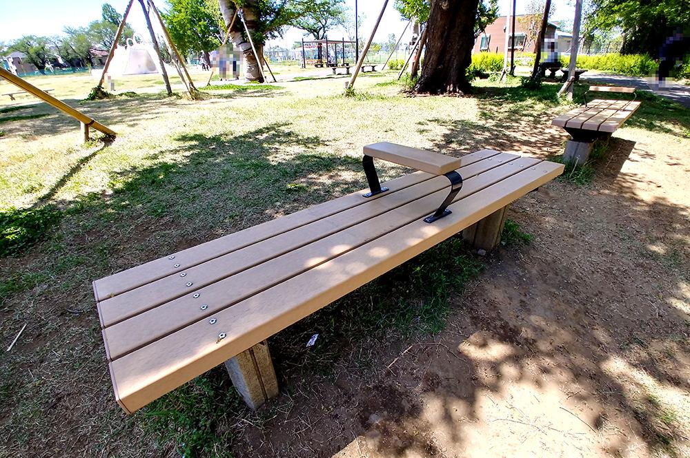 高井戸公園のベンチ
