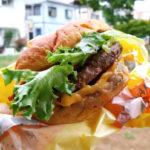 【実食!】吉祥寺の超新星バーガー「ベックスバーガー」が新オープン!ダブチー食べて最高の体験!