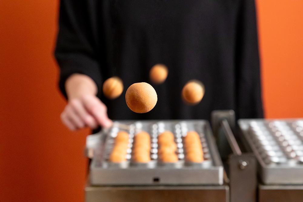 発酵バター専門店「ハネル」の看板商品「バターカステラ」