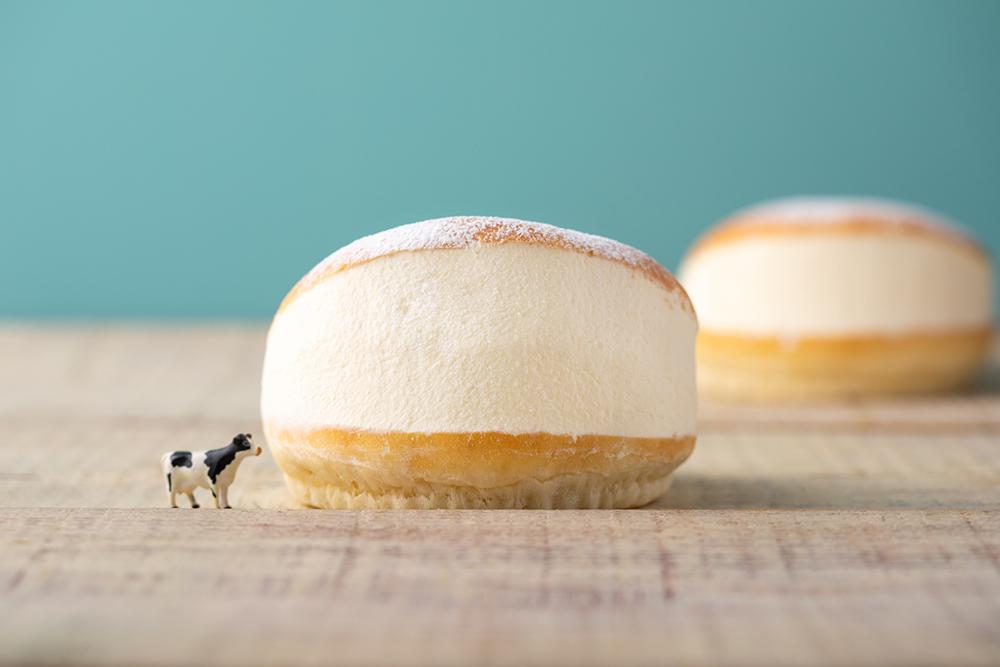 クリームたっぷり美味しさパン・生クリーム専門店ミルクのマリトッツォ