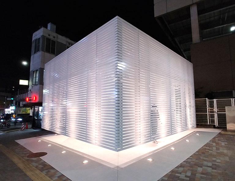 駅前も明るくなる恵比寿の公共トイレ
