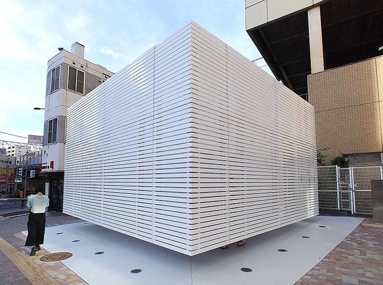 佐藤可士和さんがデザインした恵比寿駅西口の公共トイレ