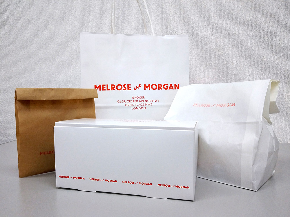 メルローズアンドモーガンのテイクアウト包装もシンプルでおしゃれ